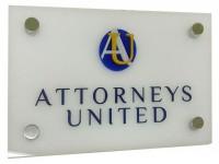 Акриловая вывеска с гравировкой, покраской, объемным акриловым логотипом и декоративным крепежом