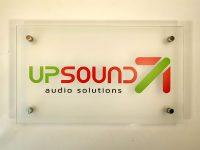 Вывеска стеклянная UpSound